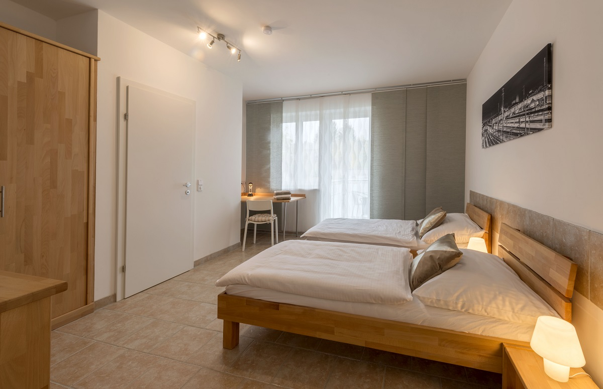 wiener neustadt chat rooms Bedroom 1 rental in wiener neustadt, austria check availability or book online compare more than 2,000,000 vacation rentals around the world.